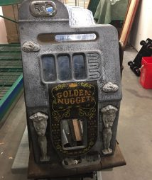 Antique Mills Golden Nugget Slot Machine Casting Case W/ Parts