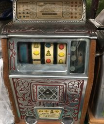 Caille Bros Rare 4-Reel Superior Jackpot Slot Machine