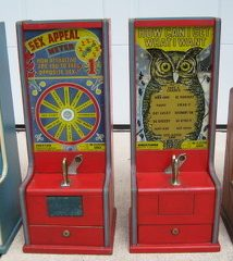 Exhibit Supply Mfg The Wise Owl Countertop Tester Machine c 1940's