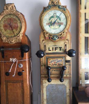 Vintage Mills Barbell Lifter