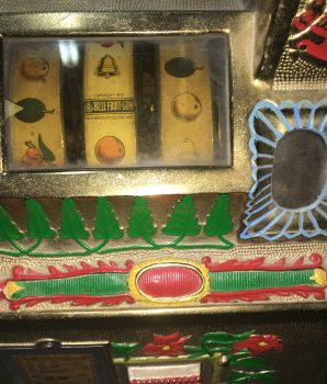 1931 Mills Golden Poinsettia Bell Slot Machine