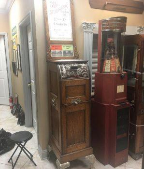 1900s Mills Quartoscope Auto-Steroescope Flip Card Viewer Arcade Machine